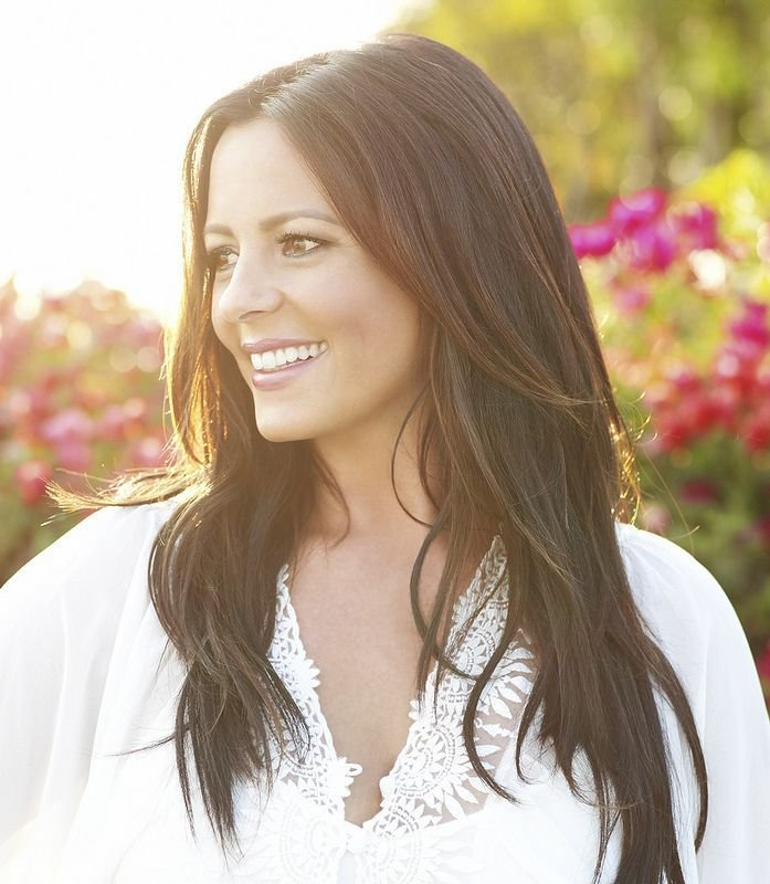 Free 25 Best Ideas About Sara Evans On Pinterest Country Music Artists Sara Evans Stronger And Wallpaper