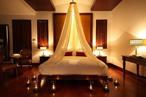 Best Romantic Bedroom Candle Light Canopy So Romantic With Pictures