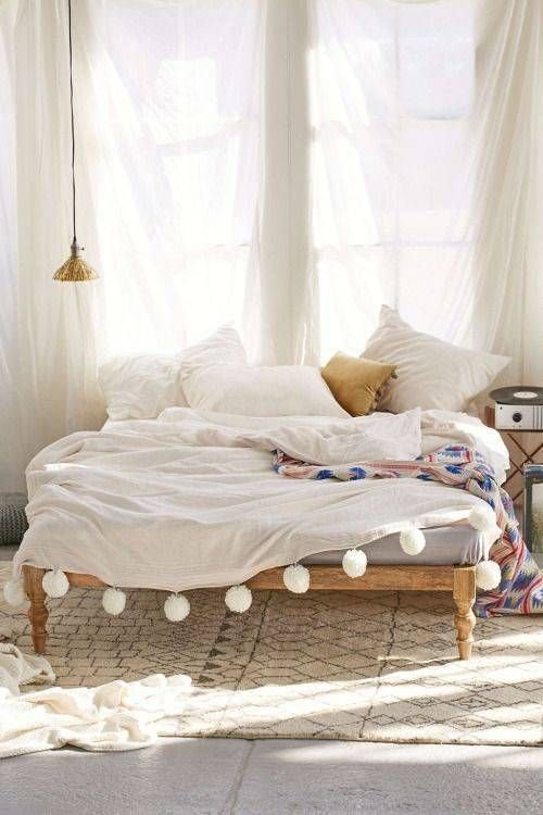 Best 25 Best Ideas About Bed Without Headboard On Pinterest With Pictures