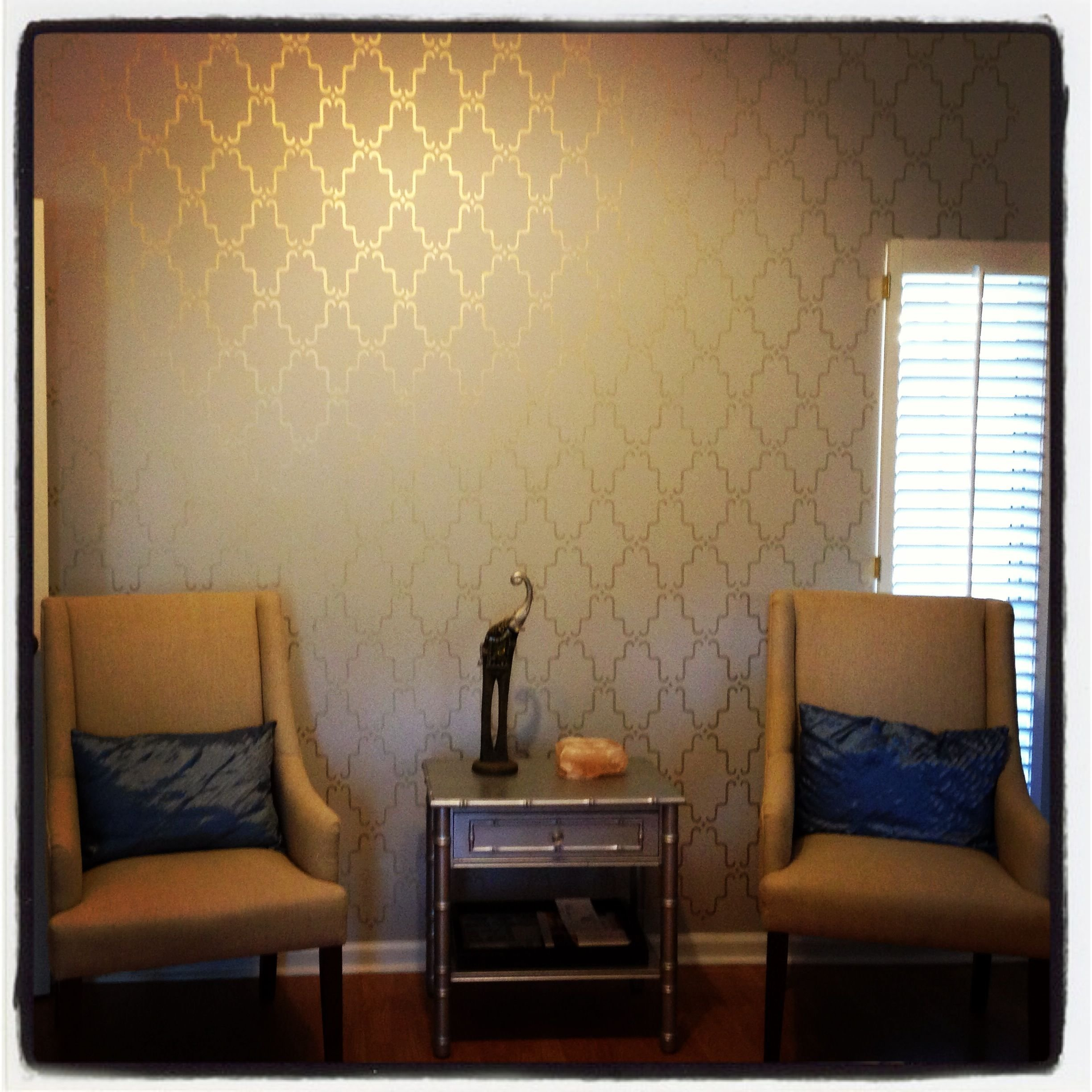 Best Stenciled Accent Wall With Metallic Gold Paint Wonder If With Pictures