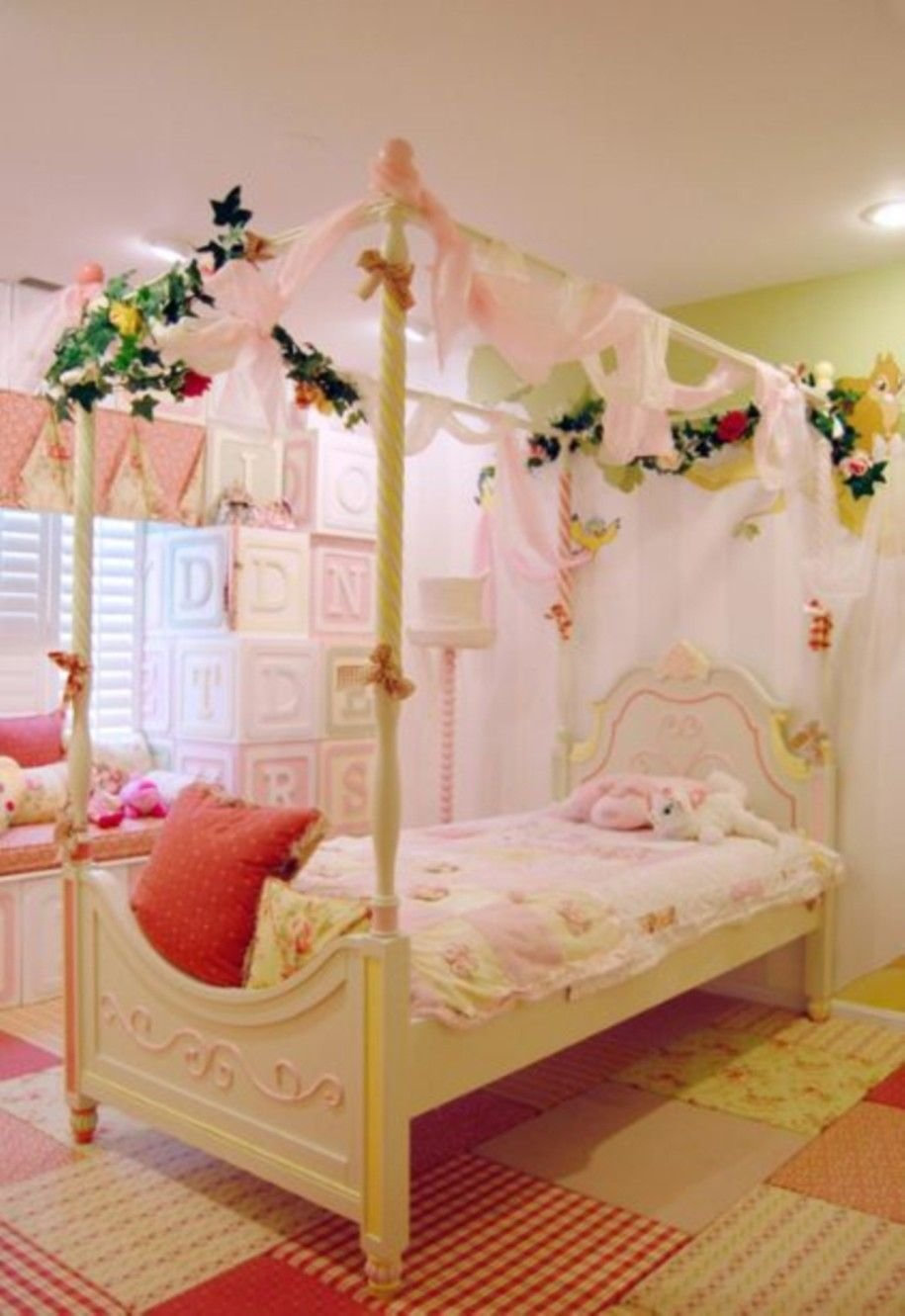 Best 15 Awesome Kids Room Designs In Whimsical Style Lovely With Pictures