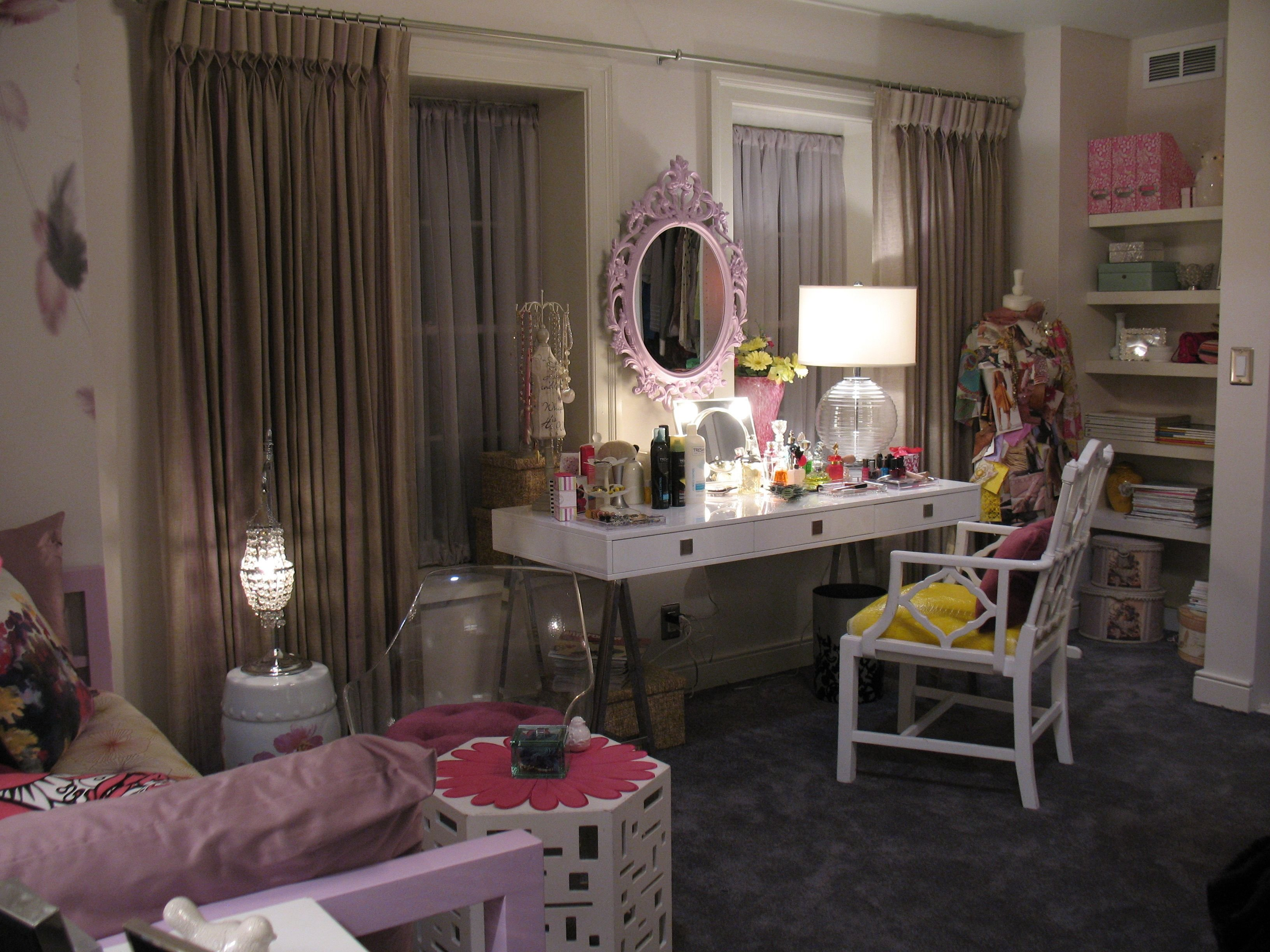 Best 12 Tv Bedrooms You Ll Totally Fall In Love With Pll With Pictures