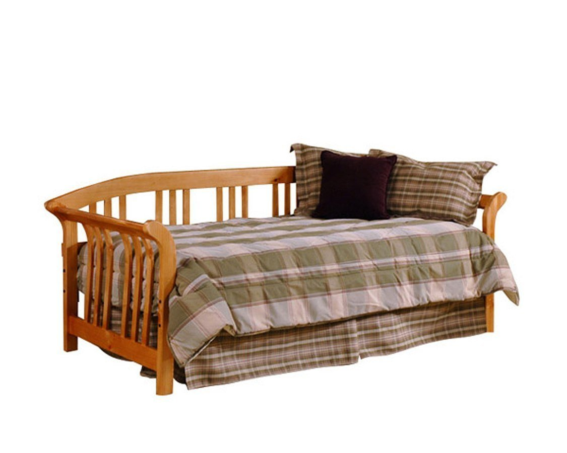 Best Dorchester Daybed W Roll Out Trundle Pine Hillsdale With Pictures