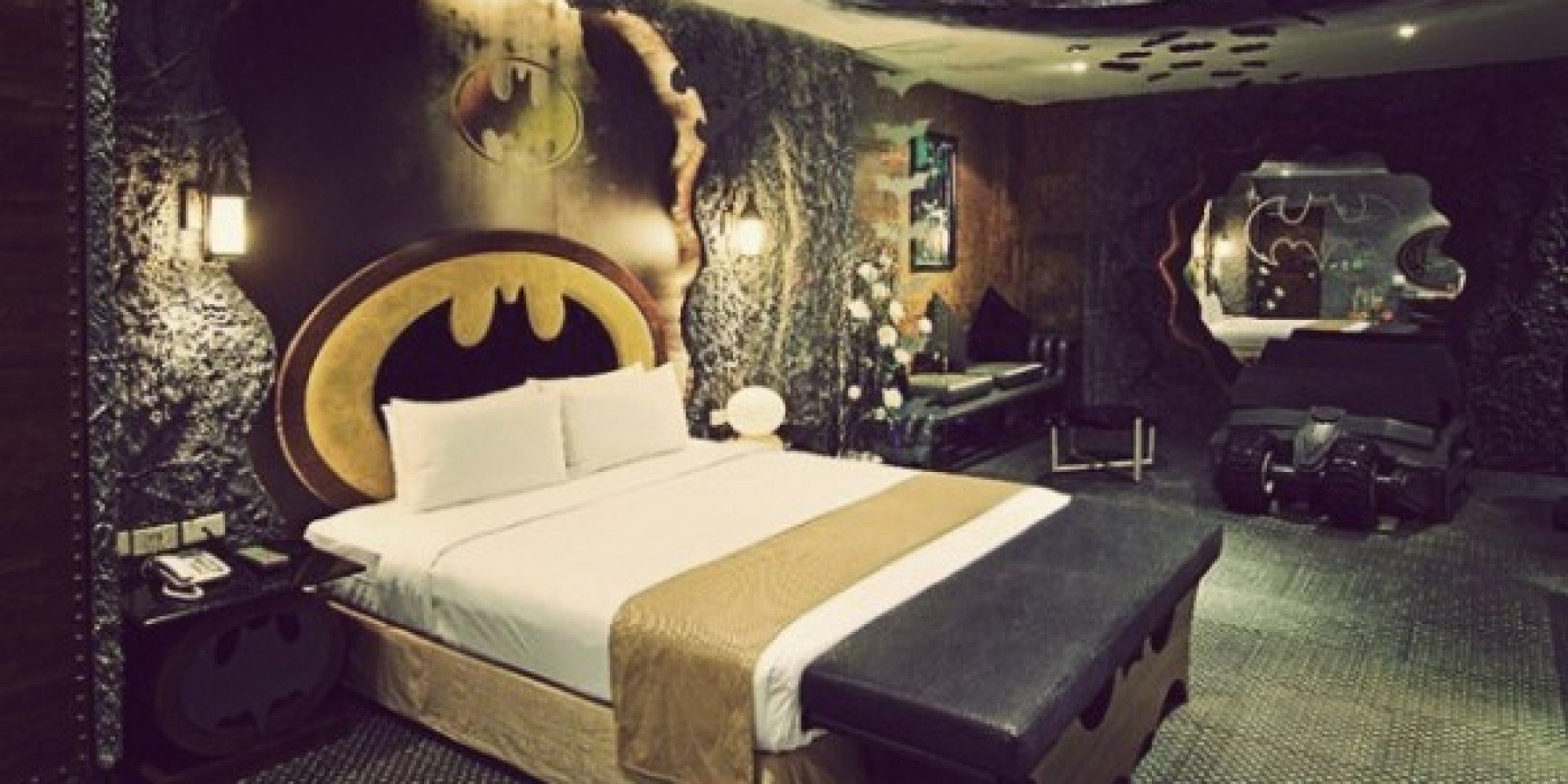 Best Batman Hotel Room In Taiwan Is All You Need For A Good With Pictures