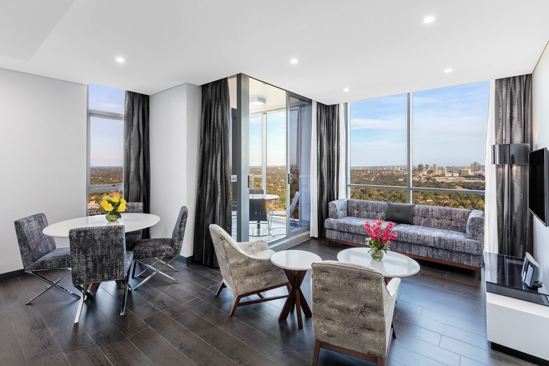 Best 2 Bedroom City Suite Chatswood Meriton Suites With Pictures