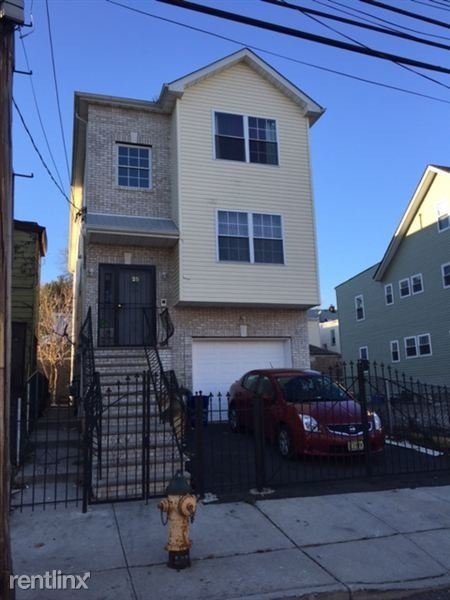 Best 25 Hanford St Newark Nj 07114 3 Bedroom Apartment For With Pictures