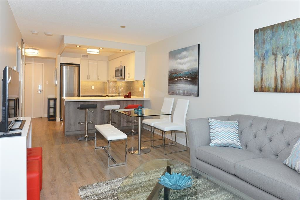 Best 390 Queens Quay West Toronto On M5V 3A6 1 Bedroom With Pictures
