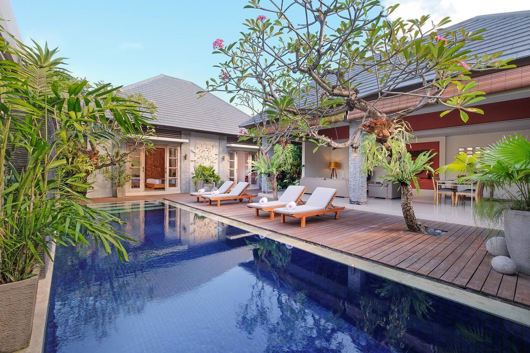 Best Two Bedroom Royal Pool Villa In Seminyak Bali The Wolas With Pictures