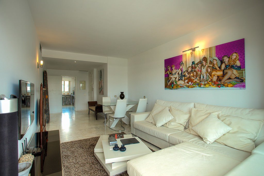 Best 2 Bedroom Luxury Apartment In Royal Beach Jacuzzi White With Pictures Original 1024 x 768