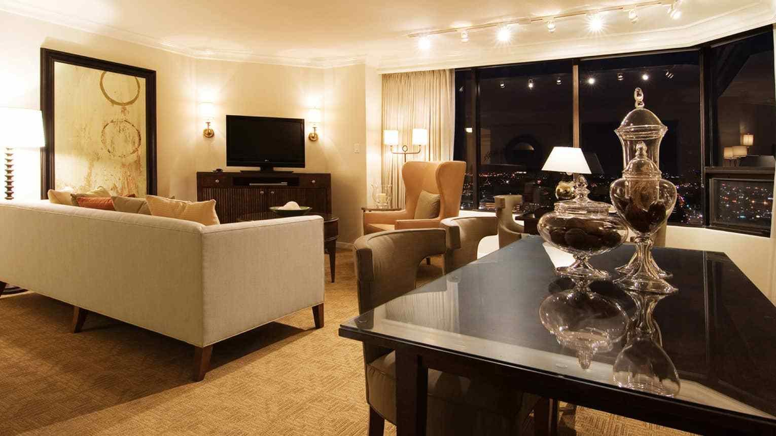 Best Houston Hotel Two Bedroom Apartment Four Seasons Hotel With Pictures
