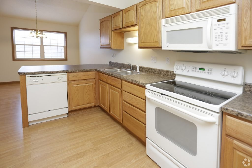 Best 2 Bedroom Apartment Home For Rent In Grand Forks Nd 58201 Hampton Management With Pictures Original 1024 x 768