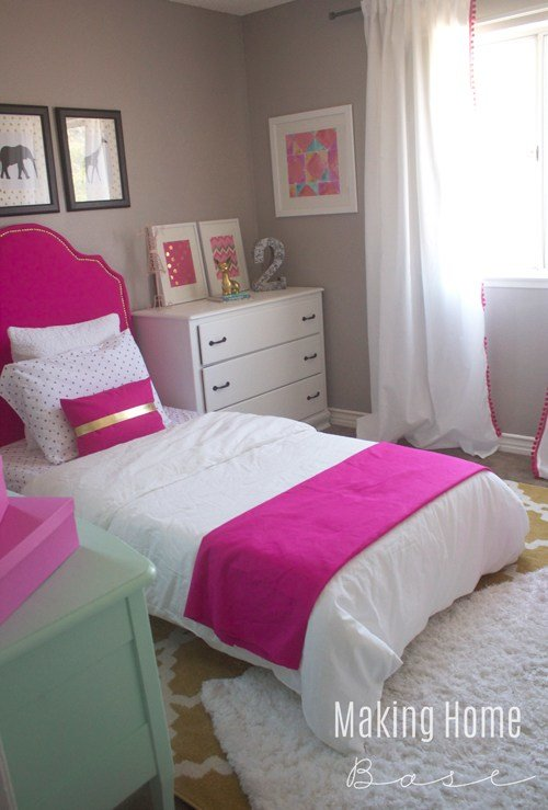 Best Decorating A Small Bedroom For A Little Girl With Pictures