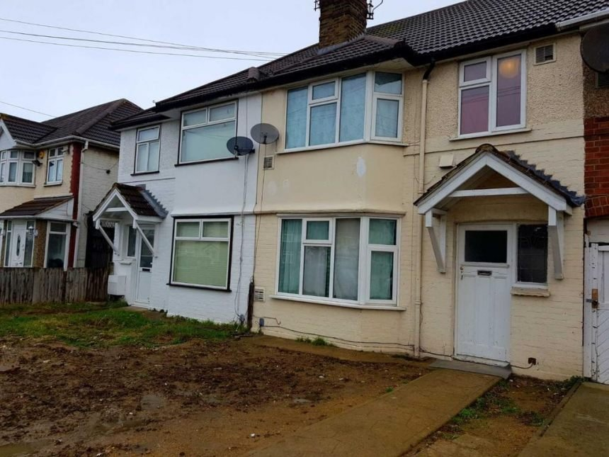 Best 3 Bedroom House To Rent In Hounslow 2 Image 1 Of 8 With Pictures