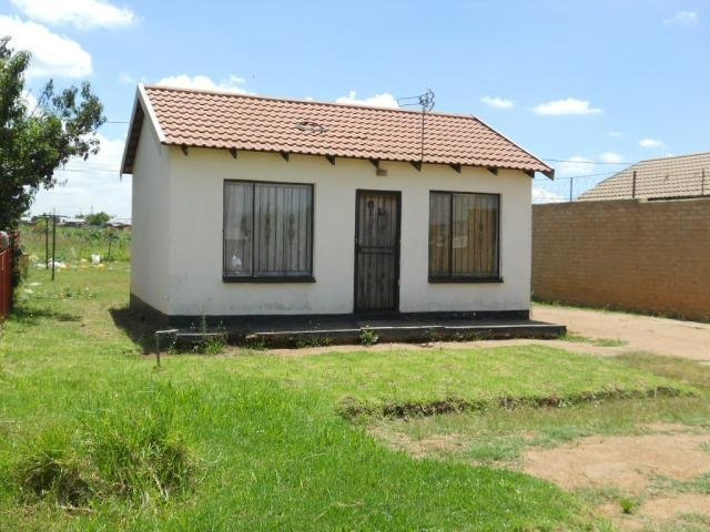 Best Standard Bank Repossessed 1 Bedroom House For Sale On With Pictures