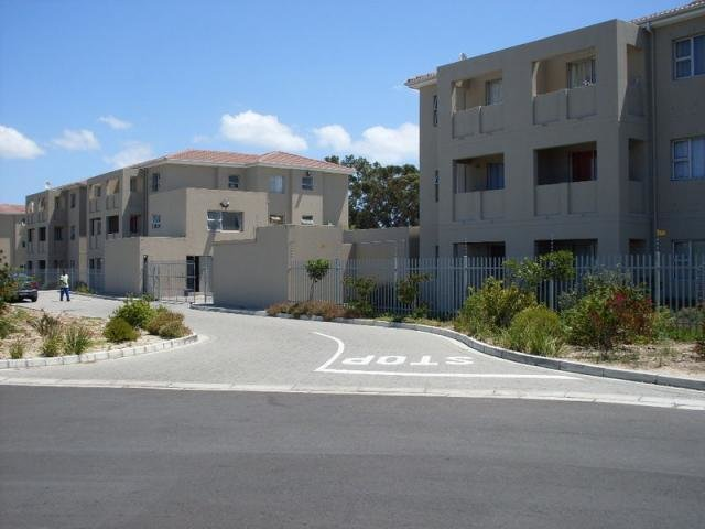 Best 1 Bedroom Apartment For Sale For Sale In Goodwood Home With Pictures