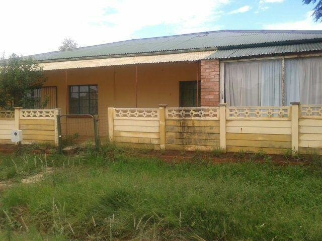 Best Myroof 3 Bedroom House For Sale In Bloemfontein Home With Pictures