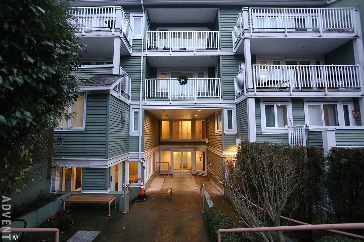 Best Villas Pacifica Apartment Rental 11 1949 West 8Th Ave With Pictures