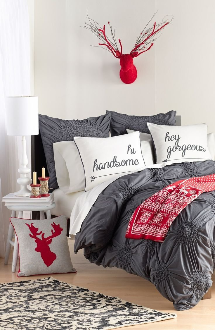 Best Tips On How To Decorate Your Bedroom This Christmas With Pictures