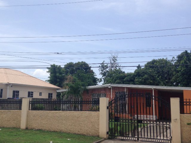 Best House For Sale In Kingston 19 Kingston St Andrew Jamaica Propertyads Jamaica With Pictures