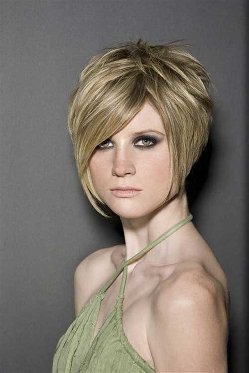 Free 10 Inverted Bob With Layers Bob Hairstyles 2018 Short Wallpaper