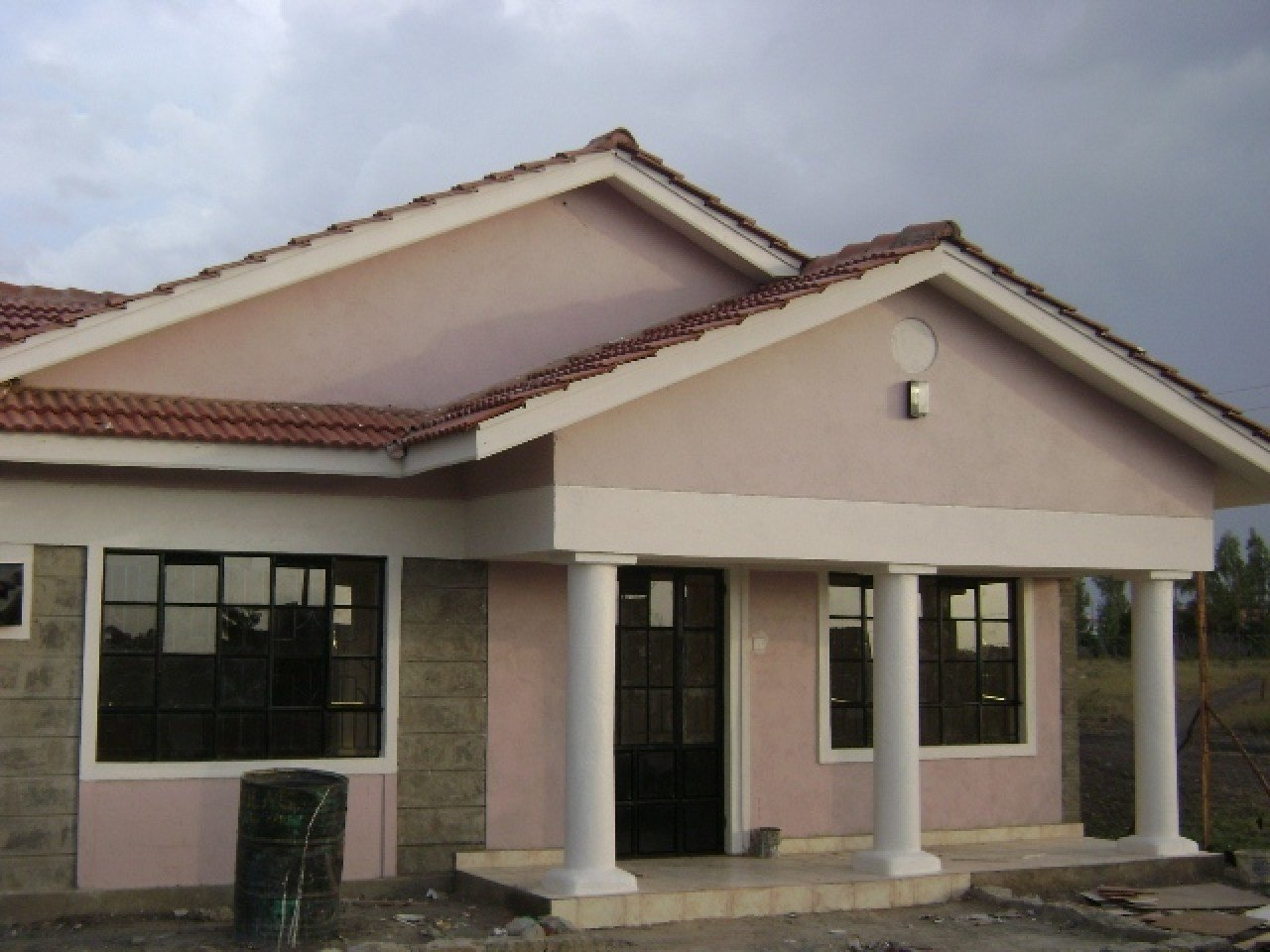 Best Small Three Bedroom Villa Three Bedroom Bungalow House With Pictures