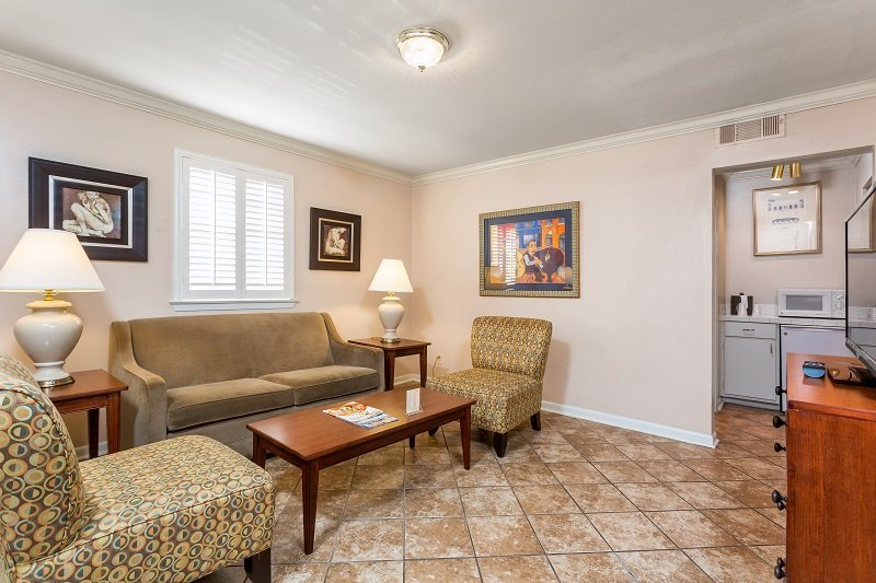 Best Two Bedroom Deluxe French Quarter Suites Hotel With Pictures