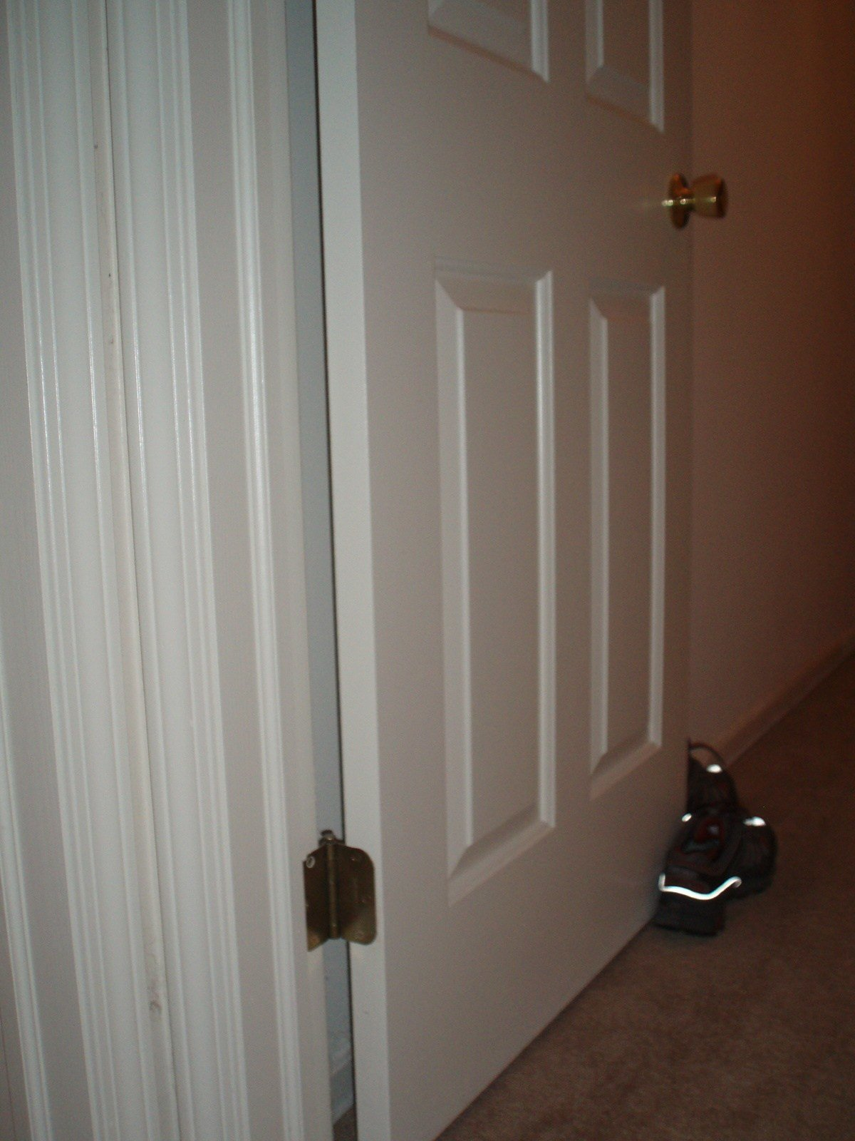 Best Bedroom Door Won T Stay Open Picture Image Photo With Pictures