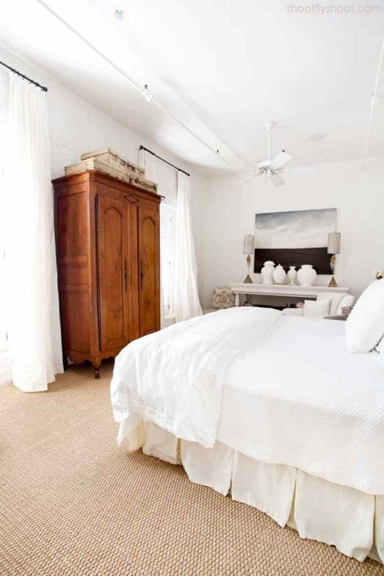 Best Bedroom With Wooden Armoire And Carpet Choosing The With Pictures