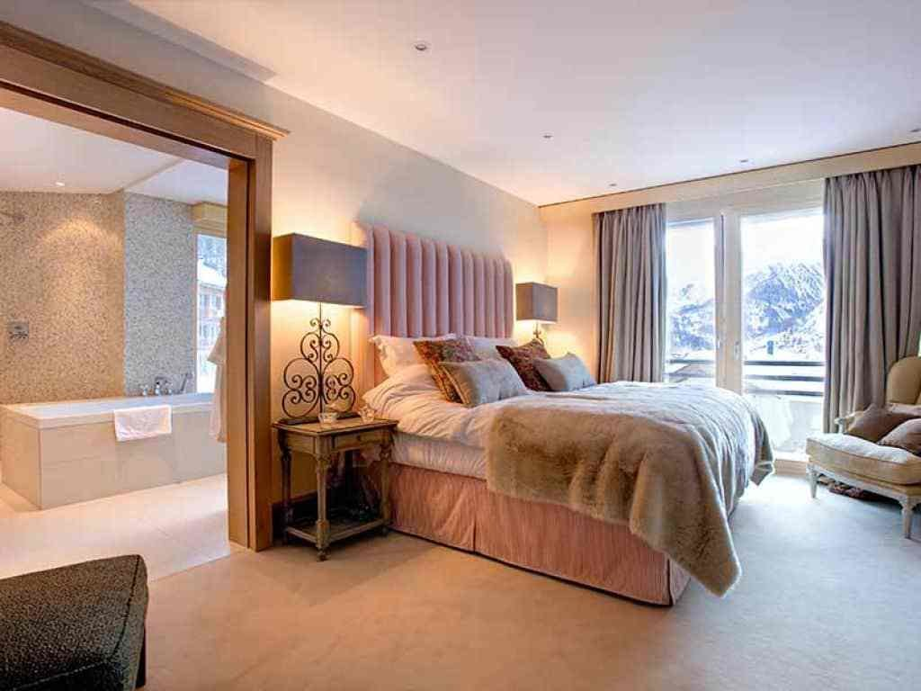 Best Ensuite Bedroom With Table Lamps Comfortable Ensuite With Pictures