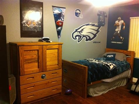 Best Philadelphia Eagles Paint Col On Eagles Bedroom With Pictures