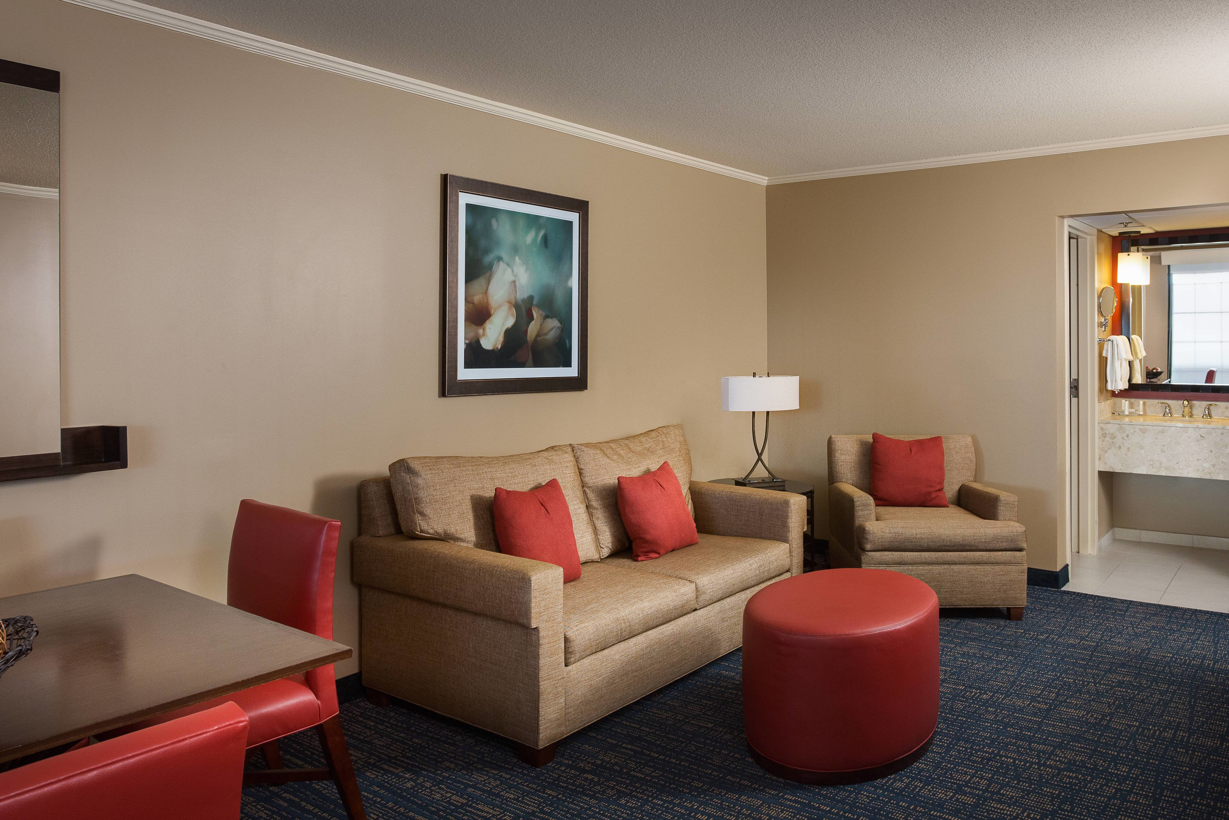 Best Music Valley Hotel Rooms Near Opryland The Inn At With Pictures