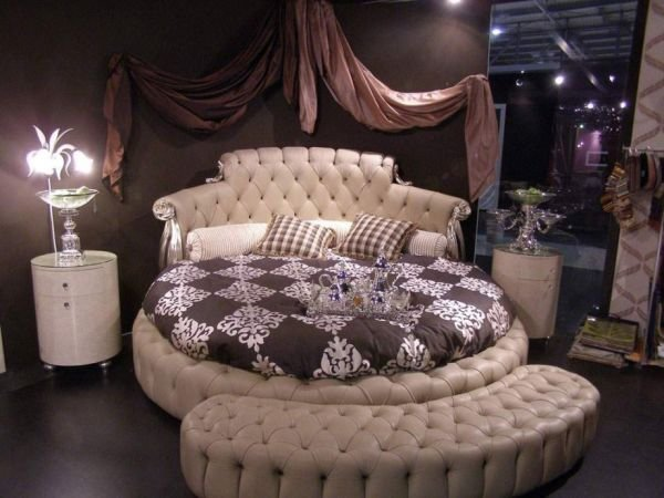 Best 27 Round Beds Design Ideas To Spice Up Your Bedroom With Pictures
