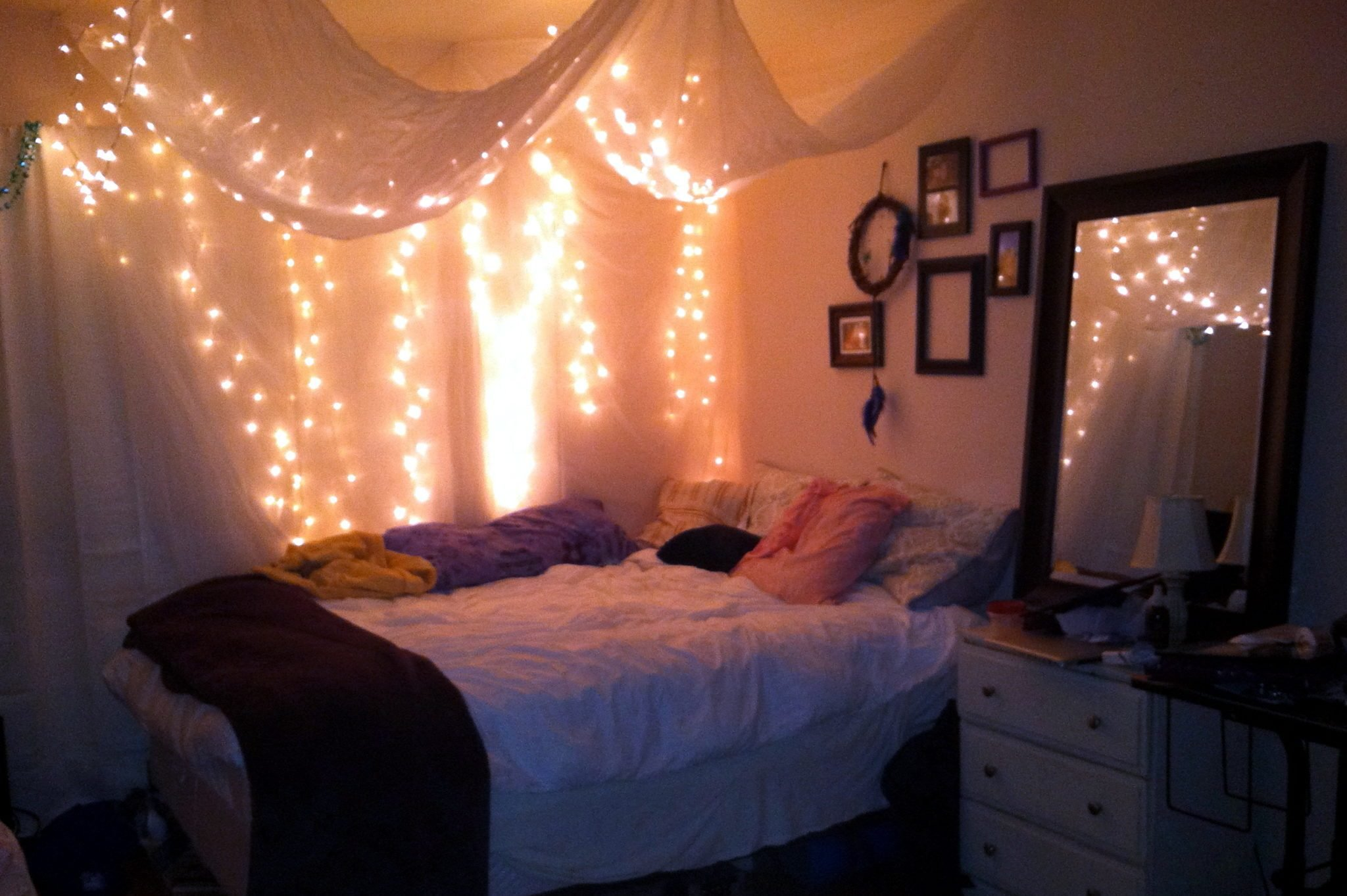 Best 30 Ways To Create A Romantic Ambiance With String Lights With Pictures