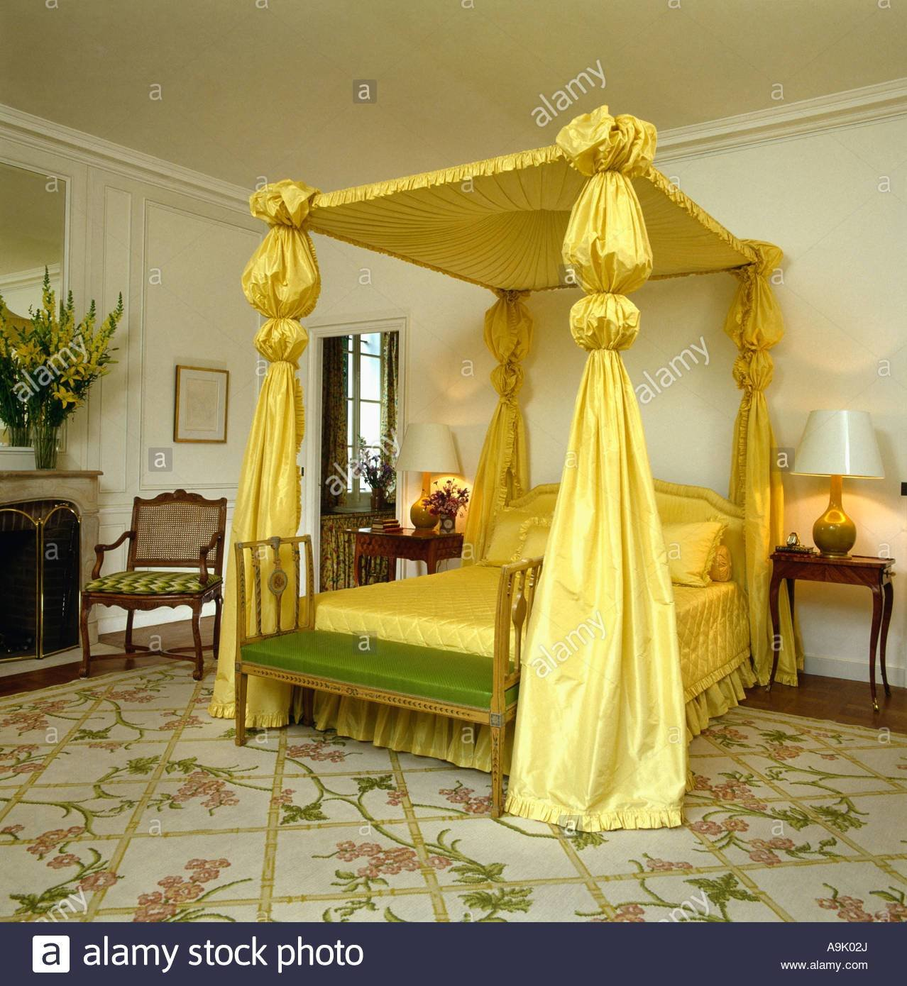 Best Four Poster Bed With Yellow Silk Drapes And Quilt In With Pictures