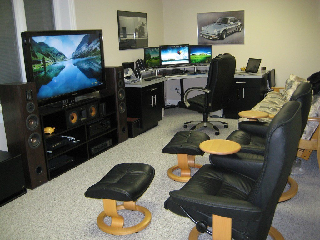 Best Your Gadgets And Gadget Room Pics Hotukdeals With Pictures