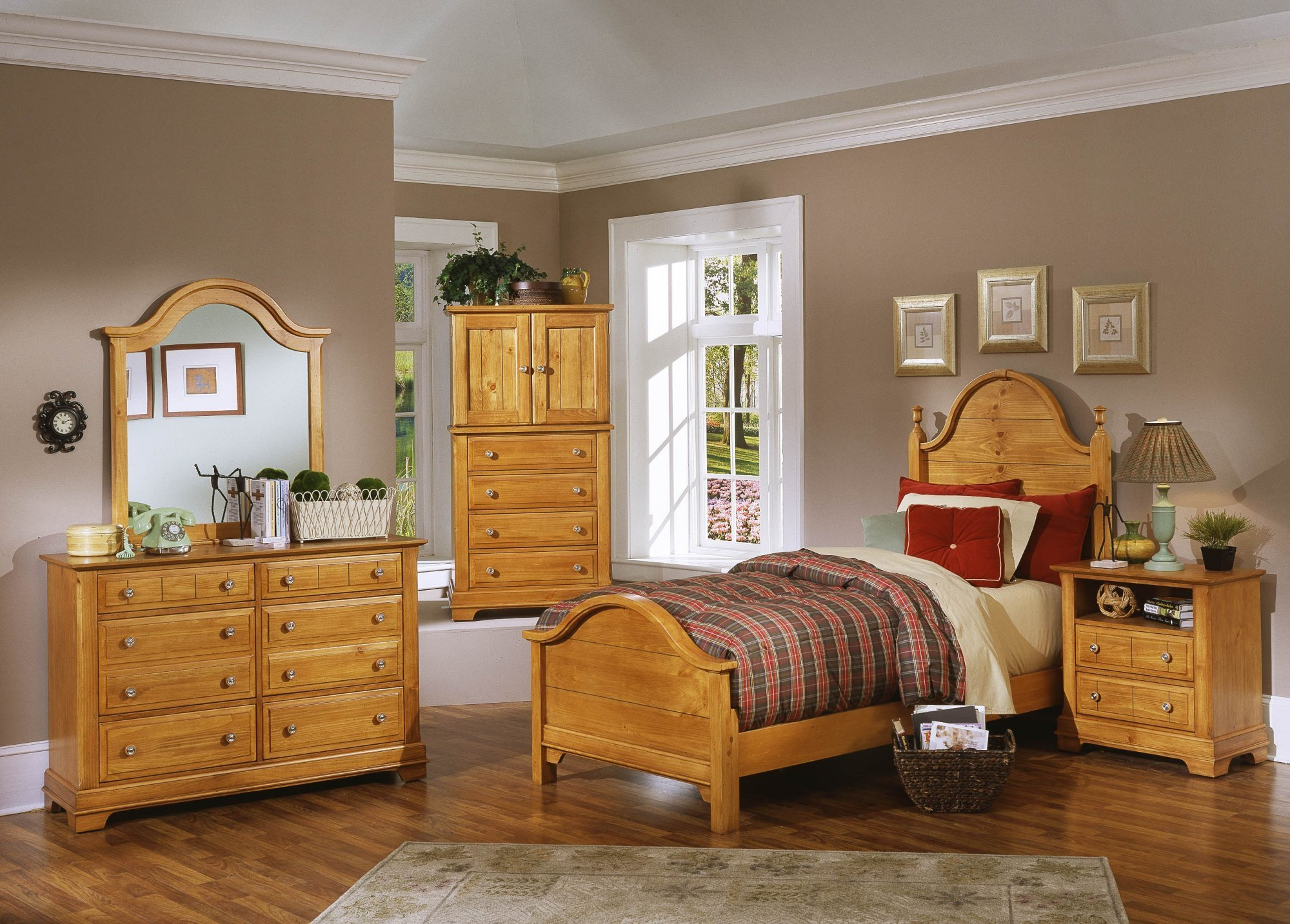 Best Superb Antique Pine Bedroom Furniture Greenvirals Style With Pictures