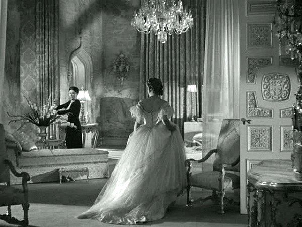 Best Rebecca Taking A Closer Look At Manderley In The 1939 Film With Pictures