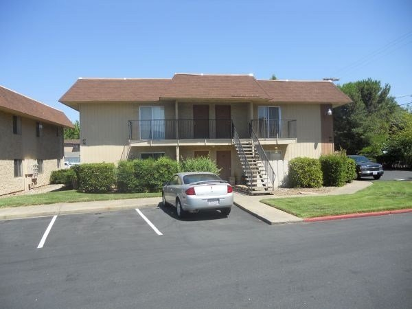 Best Creekside Village Apartments Redding Ca Apartments For Rent With Pictures