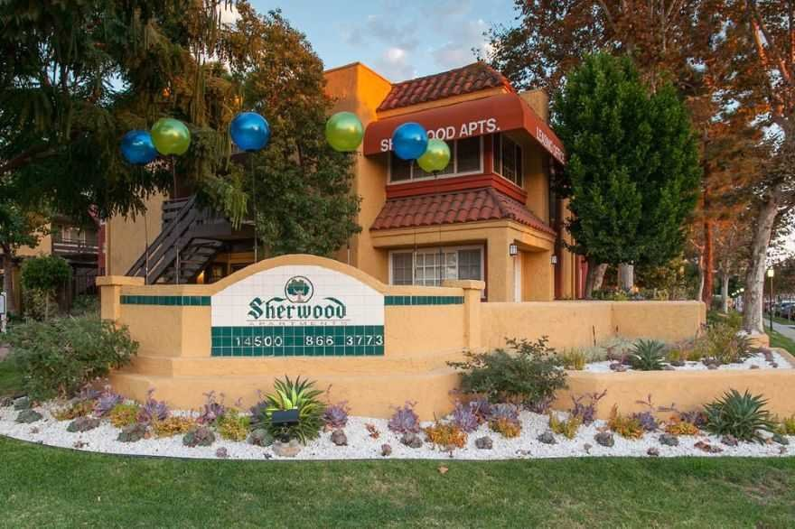 Best Sherwood Apartments Bellflower Ca 90706 Apartments With Pictures