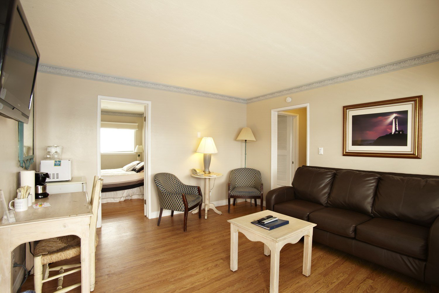 Best Two Bedroom Living Room At Inn At Sunset Cliffs With Pictures