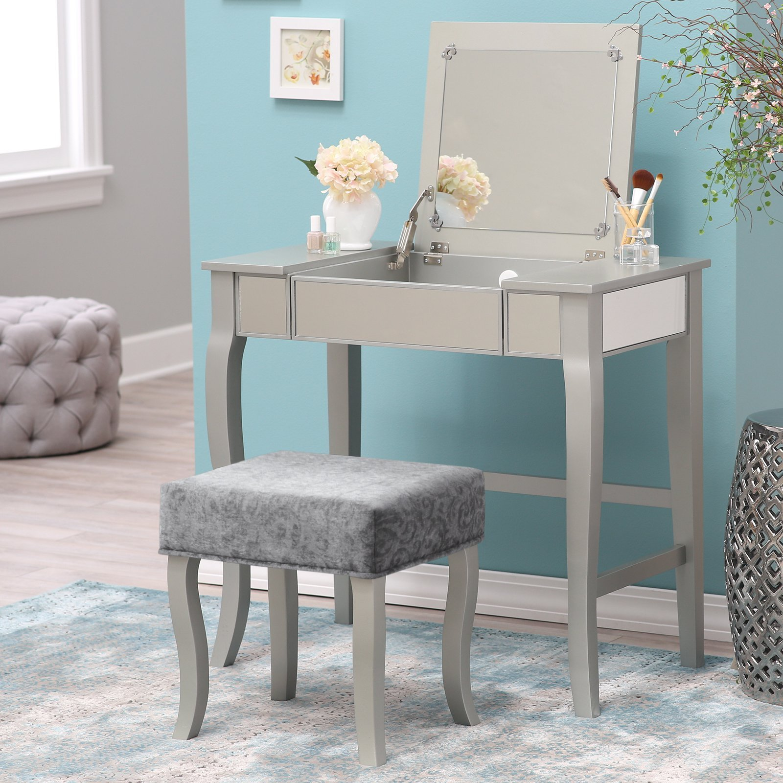 Best Makeup Vanity Table With Pictures