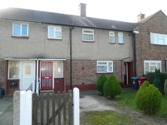 Best 3 Bedroom Terraced House For Sale In Knolton Way Wexham With Pictures