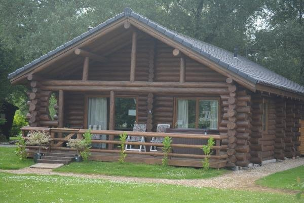 Best 2 Bedroom Log Cabin For Sale In Red Shank Lodge Green 4 With Pictures