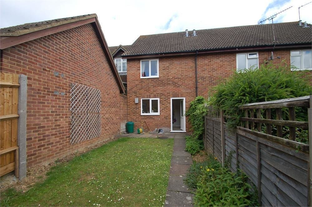 Best 2 Bedroom Terraced House To Rent In Aldbury Close Jersey With Pictures