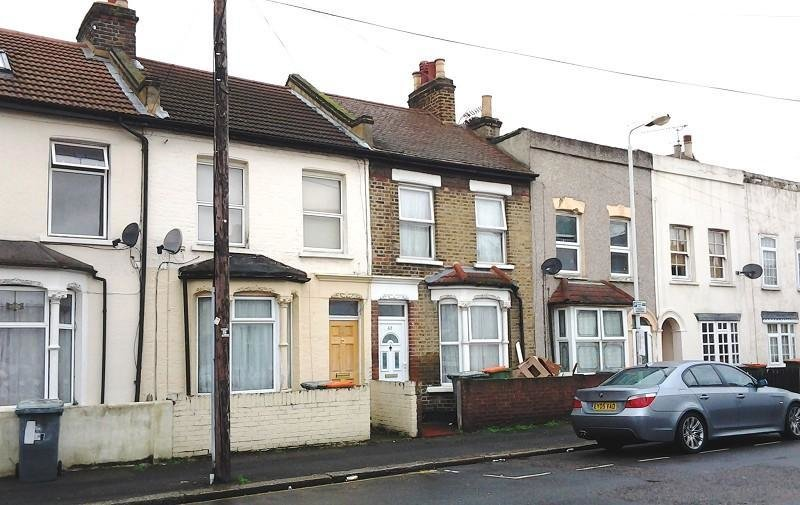 Best 3 Bedroom Terraced House To Rent In Cruikshank Road With Pictures