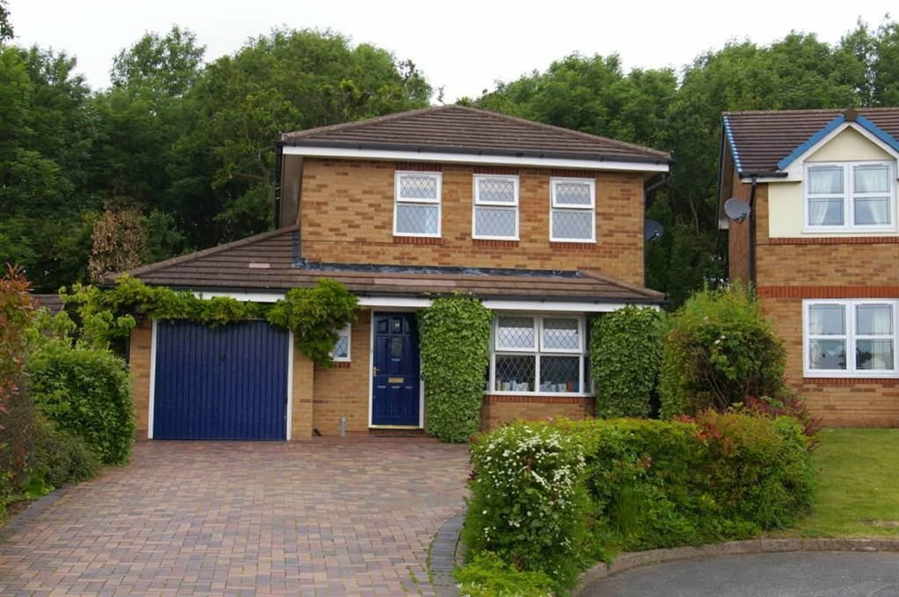 Best 4 Bedroom House For Sale In 14 Dean Close Priorslee Telford Tf2 With Pictures