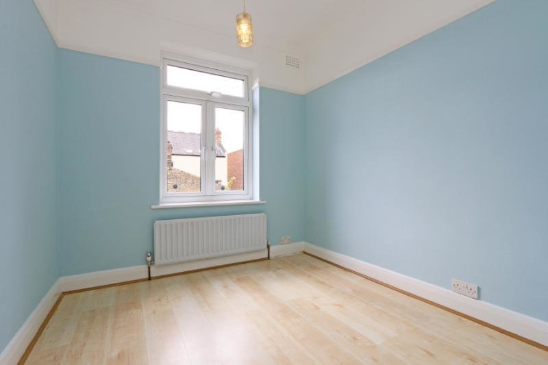 Best 2 Bedroom Flat To Rent In Woodside Wimbledon London With Pictures