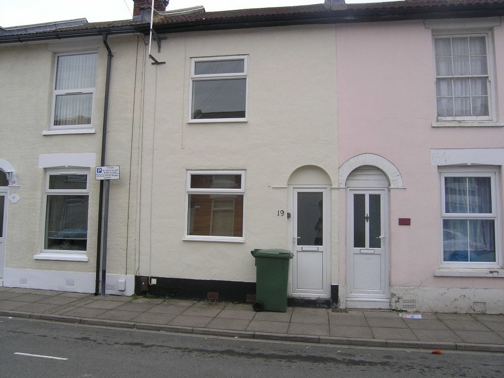 Best 2 Bedroom House To Rent In Byerley Road Fratton With Pictures