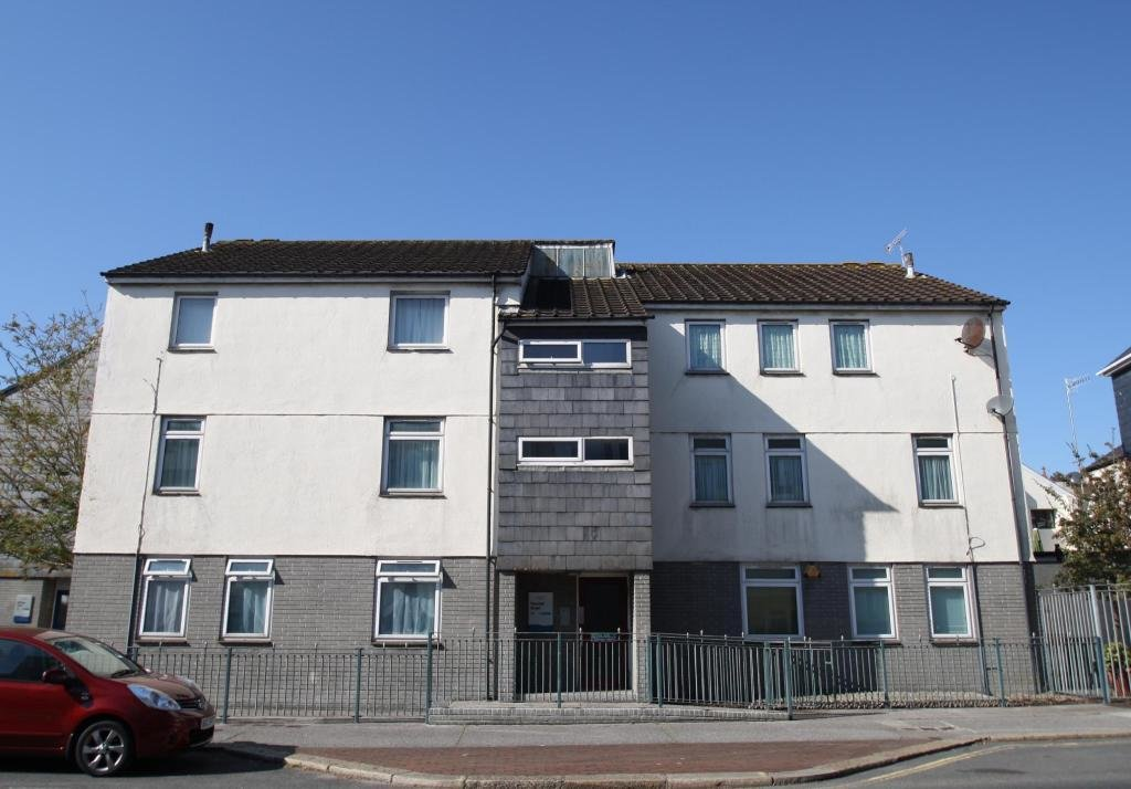 Best 2 Bedroom Flat To Rent In Vauxhall Street Plymouth Pl4 Pl4 With Pictures