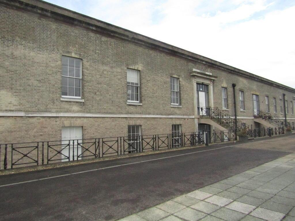 Best 2 Bedroom Apartment To Rent In Royal Clarence Yard With Pictures
